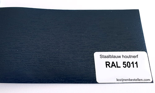 Kunststof staalblauw houtnerf RAL 5011